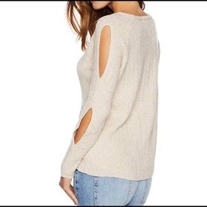 NWT BB Dakota Cold Soft Shoulder Sweater Size: XL